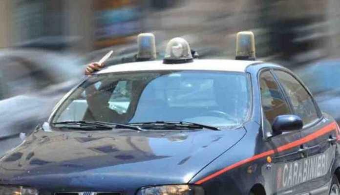 Inseguimento a Crotone a 180 km orari, arrestati due cosentini