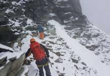Cervinia, bloccati a 4.000 metri due alpinisti inglesi per il maltempo