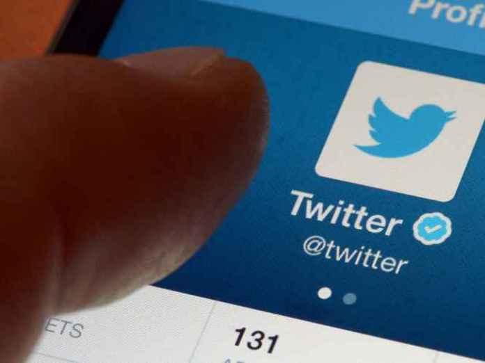 Twitter vicino alla vendita. Salesforce e Google interessati