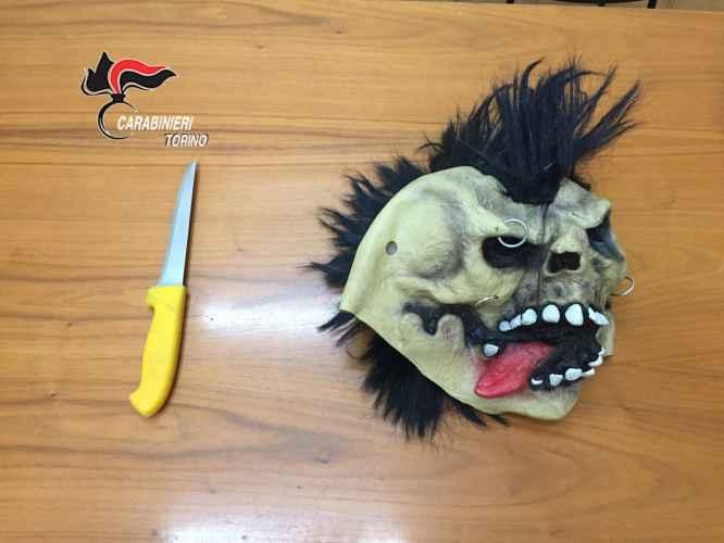 Rapine e furti seriali con maschere ai danni di donne. 5 arresti a Torino