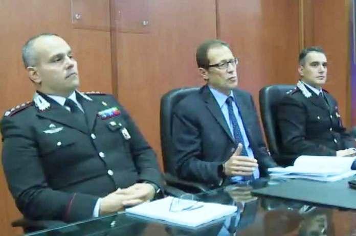 Da sinistra il colonnello Fabio Ottaviani (Cc Cosenza), il procuratore di Castrovillari Eugenio Facciolla e il capitano Massimo Cipolla (Cc Castrovillari)