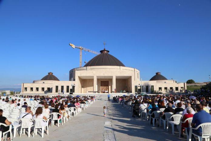 Il Vescovo di Mileto decreta soppressione Fondazione di Natuzza Evolo