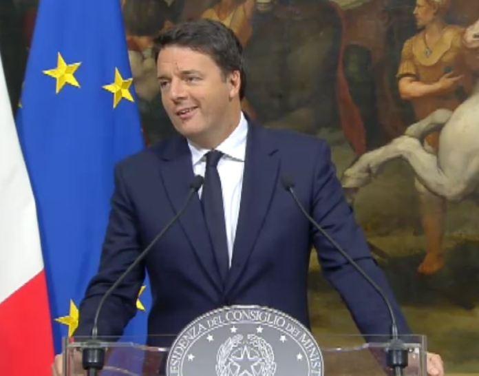 Il premier Matteo Renzi nella conferenza dei mille giorni di governo