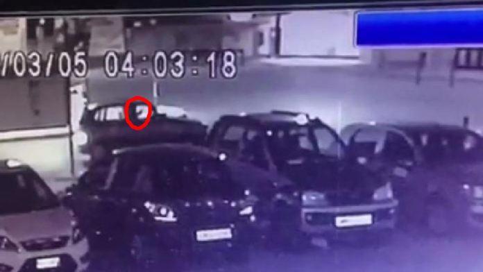 L'auto ripresa dalle videocamere di sorveglianza mentre spara contro i mezzi della Polizia a San Severo