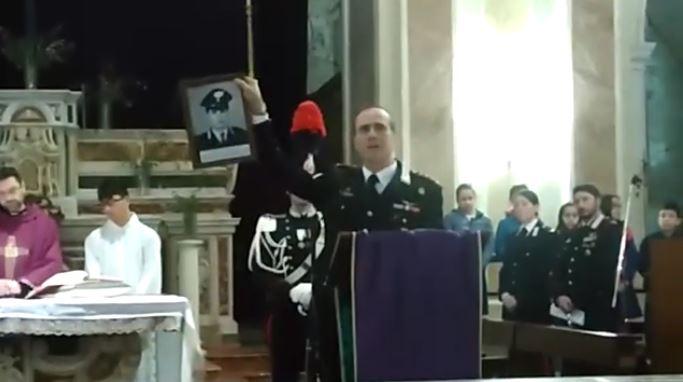 Il colonnello Scafuri durante il suo intervento in chiesa per commemorare il brigadiere Rosario Iozia