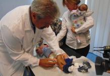 Il ministro Lorenzin vaccina i figli