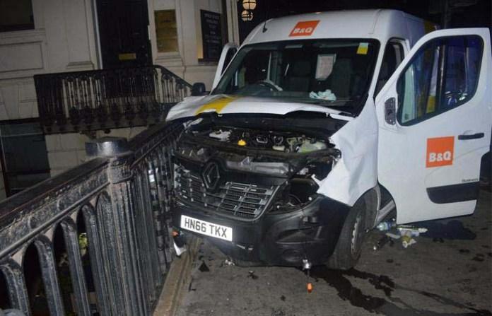 Il furgone usato dai terroristi sul London Bridge lo scorso 3 giugno