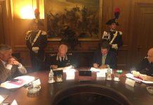 La firma dell'accordo tra il generale Tullio Del Sette e Stefano Vaccari