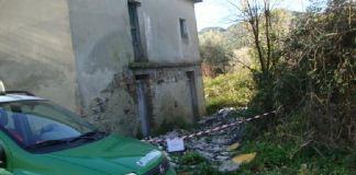 Smaltimento illecito di rifiuti, sequestrata area e opificio
