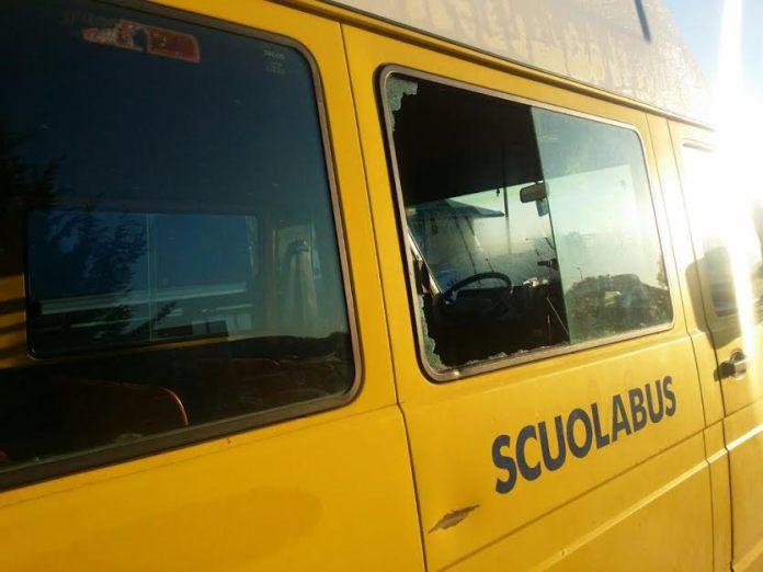 scuolabus crosia danneggiato