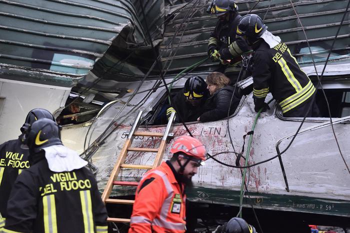 Grave incidente ferroviario a Pioltello