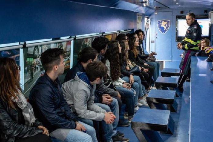 sicurezza stradale studenti polizia