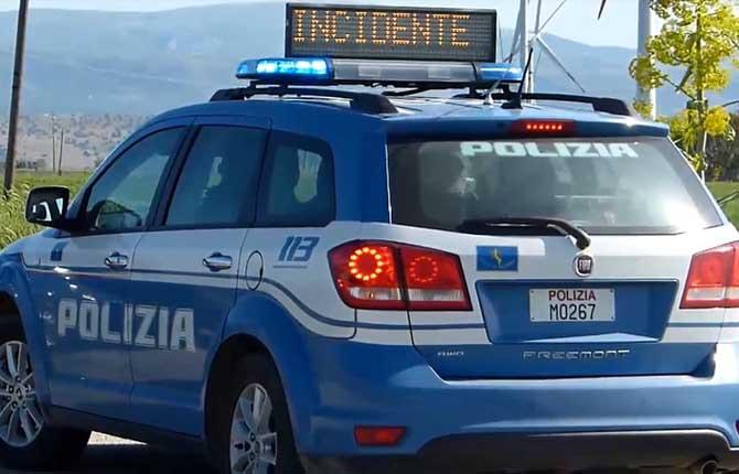 Polizia stradale incidente