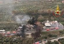 Esplosione in stazione di servizio