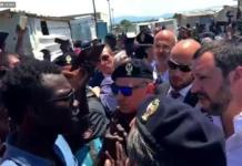 Salvini nella baraccopoli