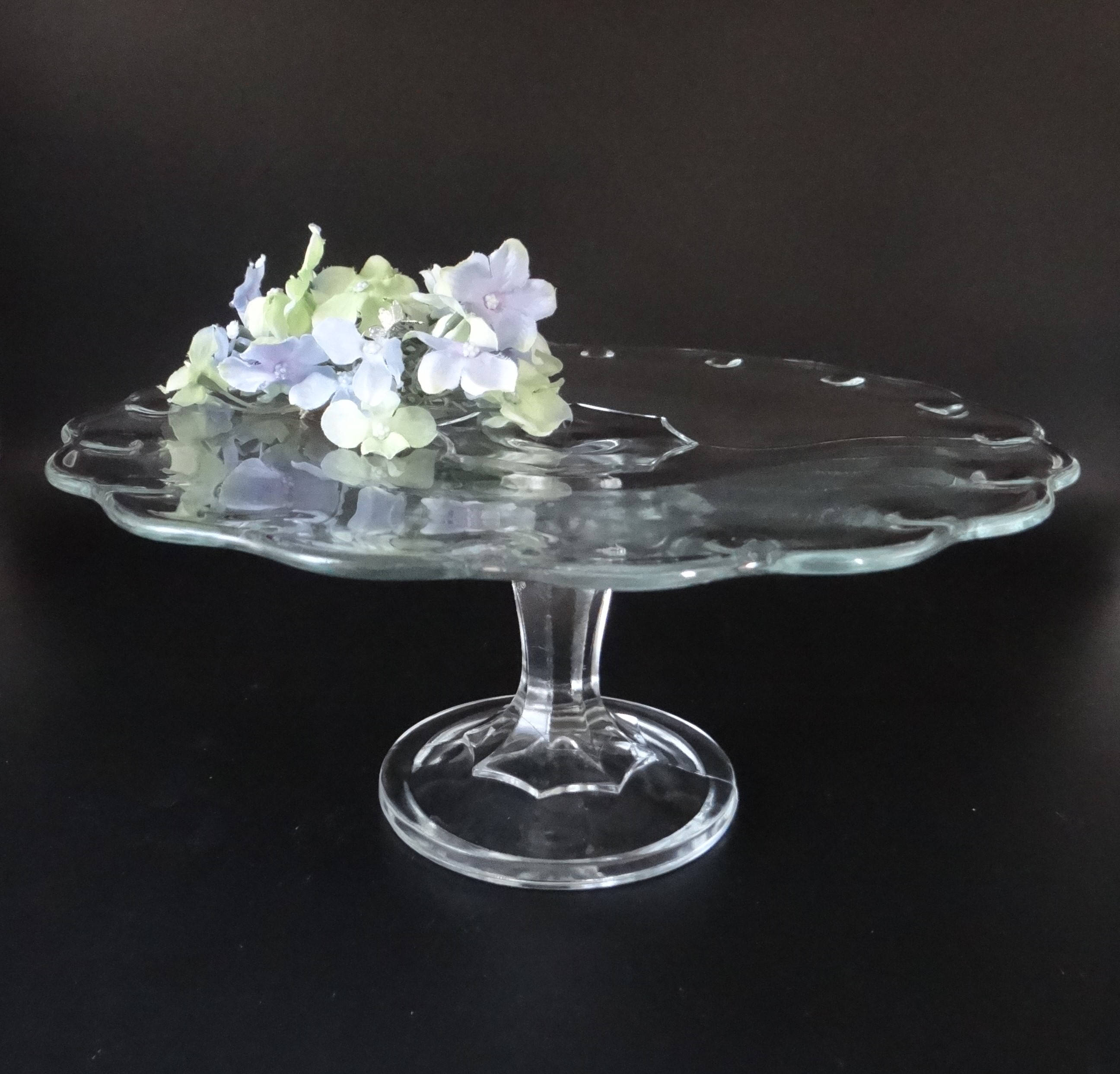 Vintage Indiana Glass Teardrop Round Pedestal Cake Stand ... & Vintage Indiana Glass Teardrop Round Pedestal Cake Stand \u2013 11 ...