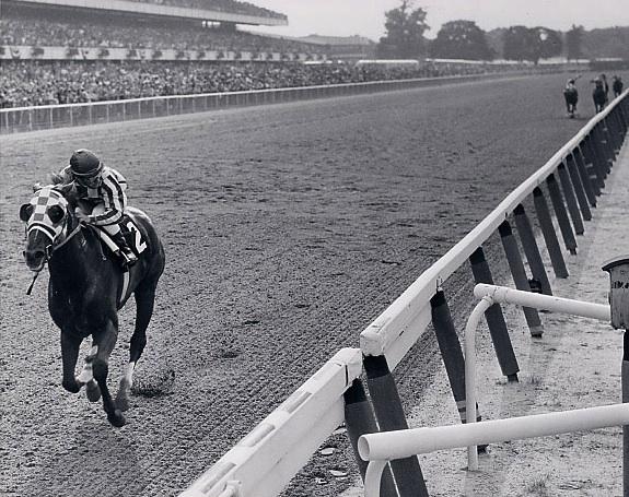 https://i1.wp.com/www.secretariat.com/wp-content/uploads/2010/05/Belmont_-Stakes_-31-lengths_photo1.jpg
