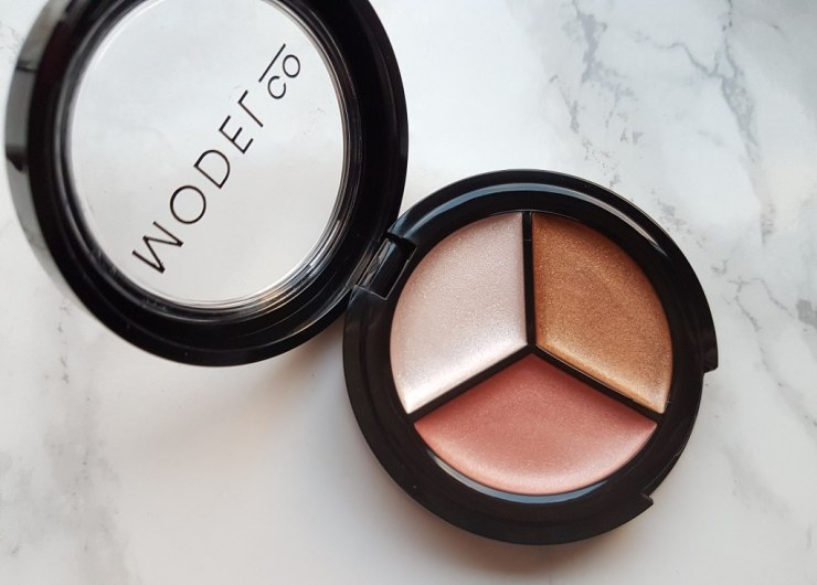 Model co Highlighting trio