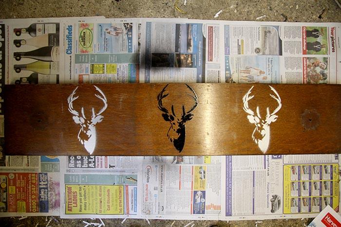 deer head stencil detail