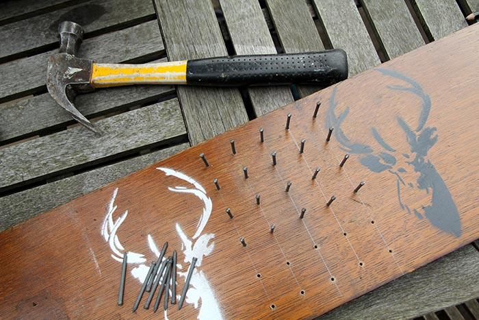 nails for cotton reel holder