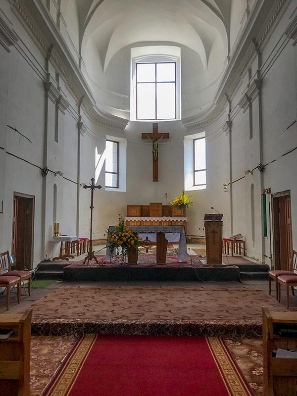 Интерьер костела в Любаре
