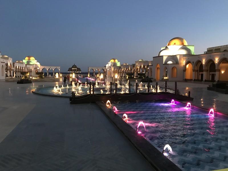 Площадь фонтанов в Sahl Hasheesh, Хургада