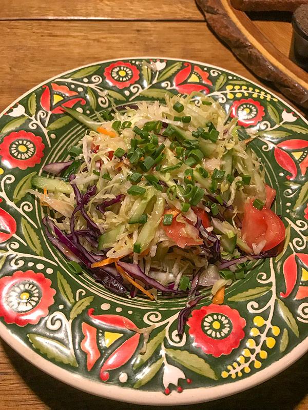 Салат в ресторане Старий Млин