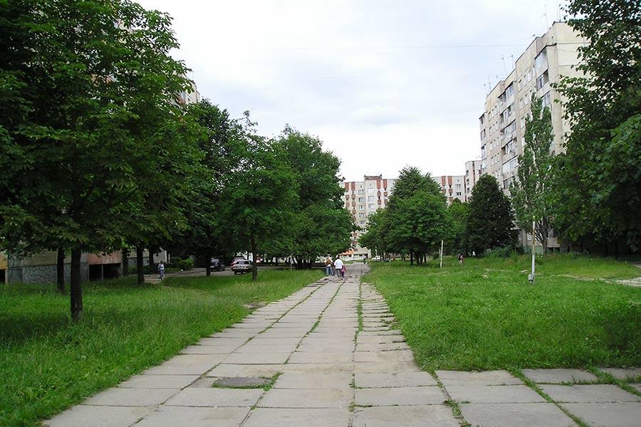 Вид на кусочек улицы Пулюя