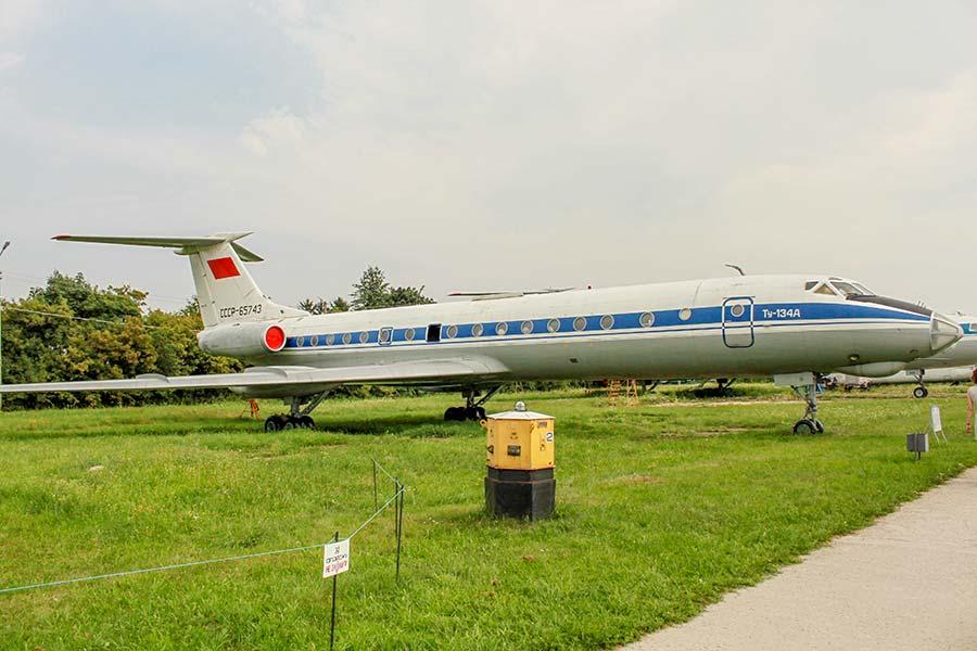 Самолет Ту-134A