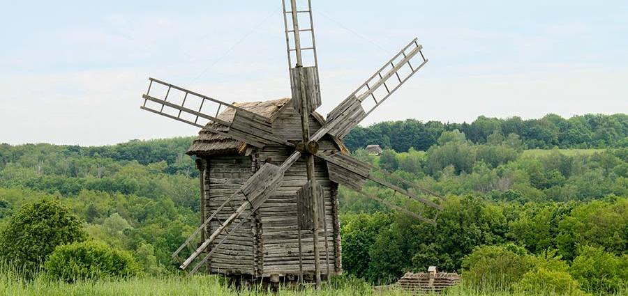 Ветряная мельница для помола зерна