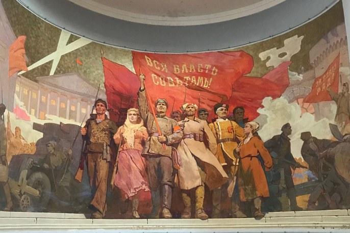 Советские картины в главном павильоне