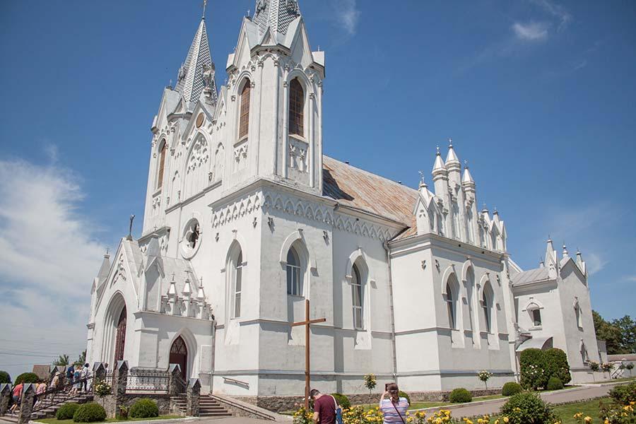 Костел Святой Анна в Баре
