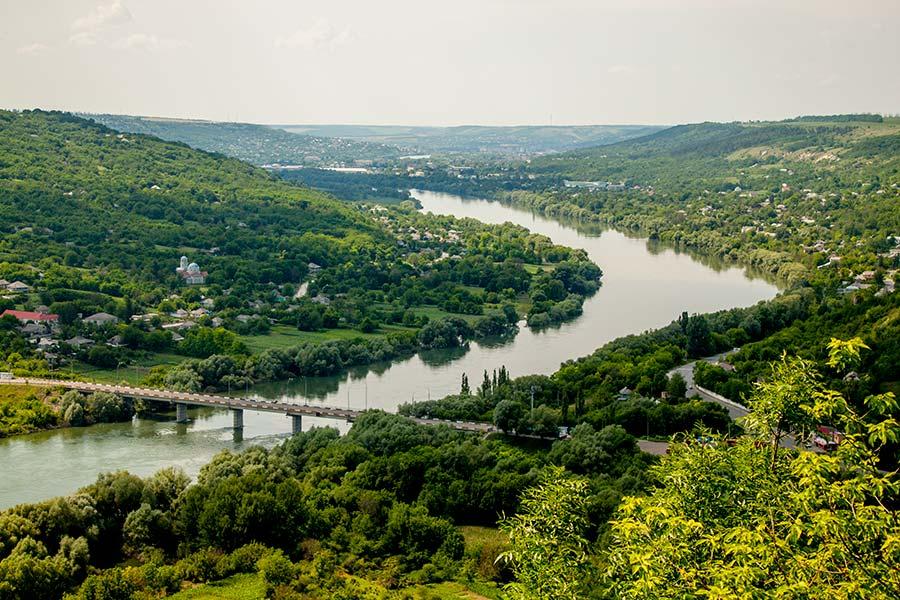 Вид на долину реки Днестр