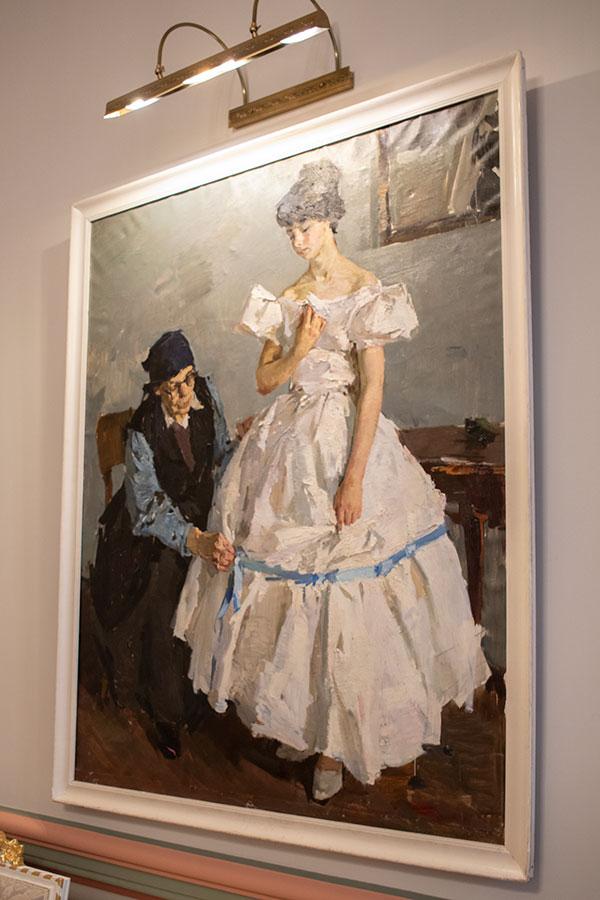 Картина Белое платье