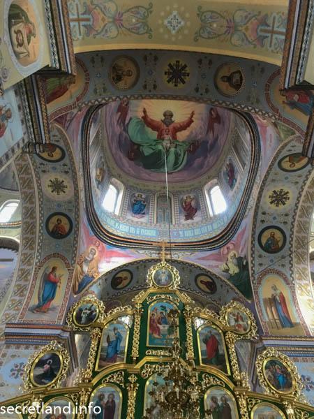 Троицкий собор в Густыне