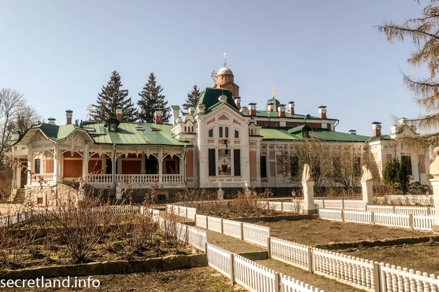 храм в честь Святой Преподобномученицы великой княгини Елисаветы.
