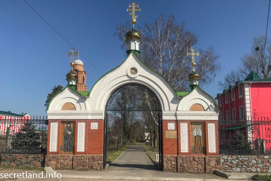 Ризоположенческий мужской монастырь в Томашовке — усадьба Хоецких