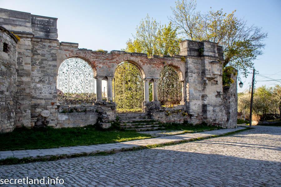 Руїни вірменського костелу