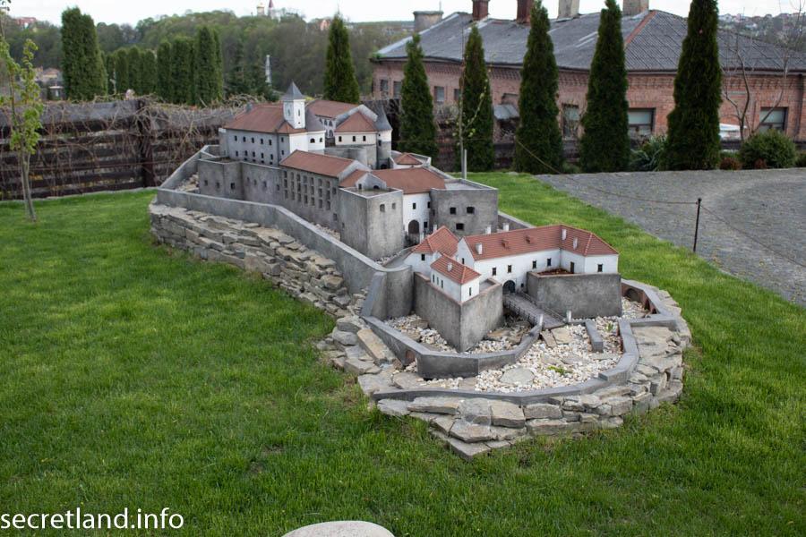 Макет замок Паланок Музей миниатюр Замки Украины Каменец-Подольский