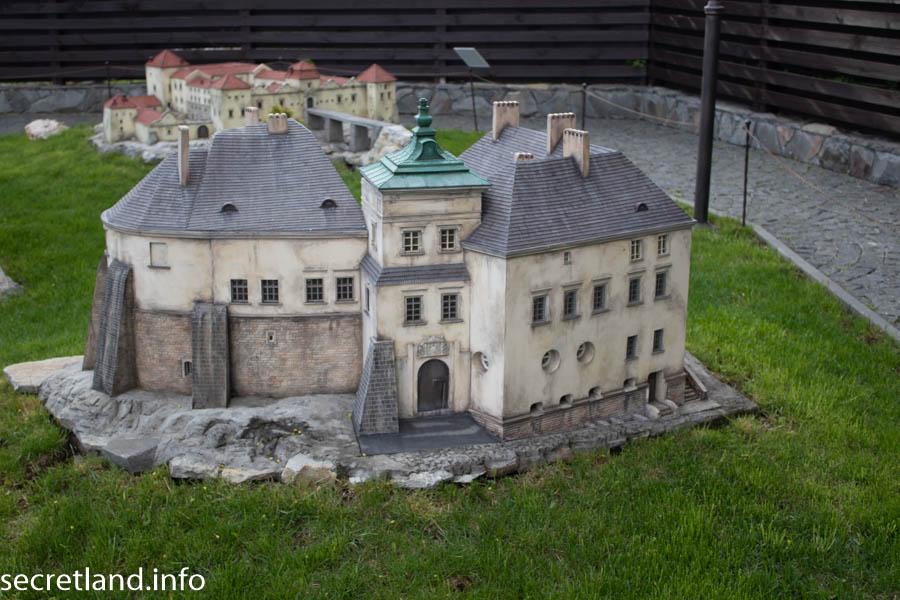 Макет Олесский замок Музей миниатюр Замки Украины Каменец-Подольский