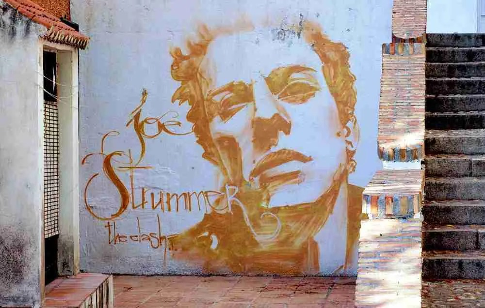 Joe Strummer. (Plaza Joe Strummer de Granada). Graffiti de El Niño de las Pinturas