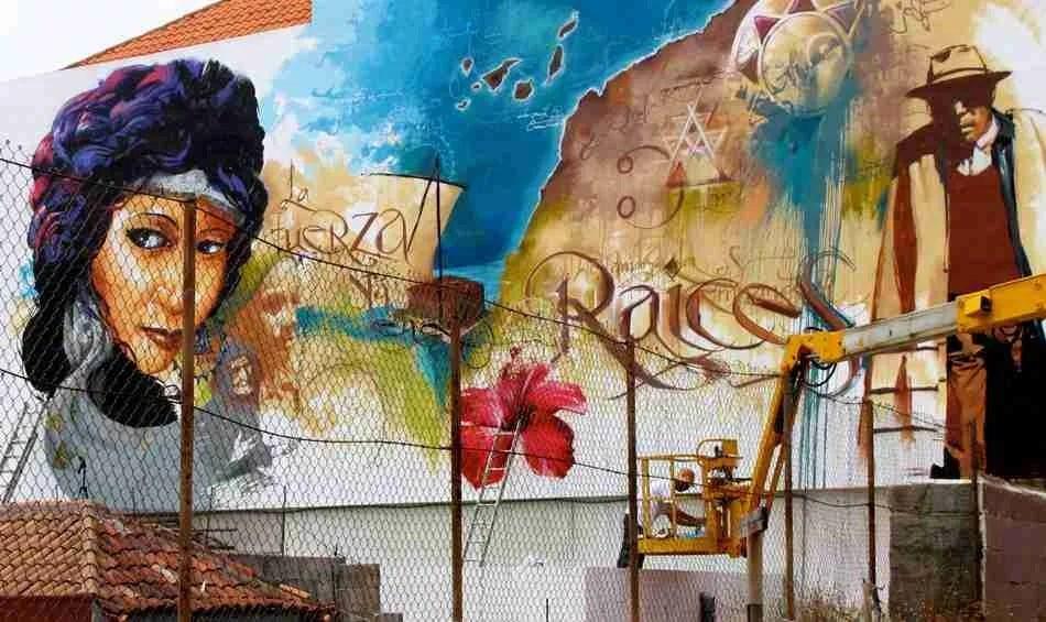 La fuerza está en las raíces. Graffiti de El Niño de las pInturas
