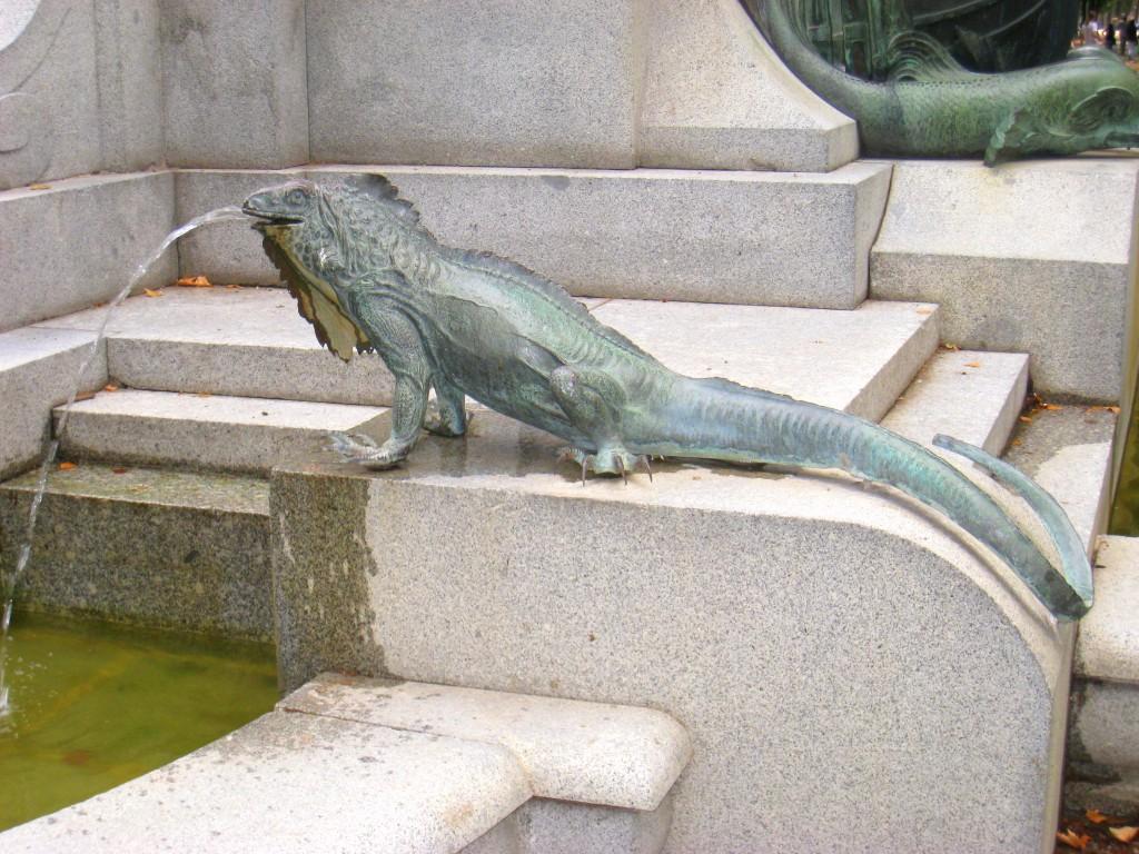 Iguana en el Monumento a Cuba, Madrid