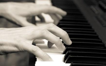 Songwriter - Pianist