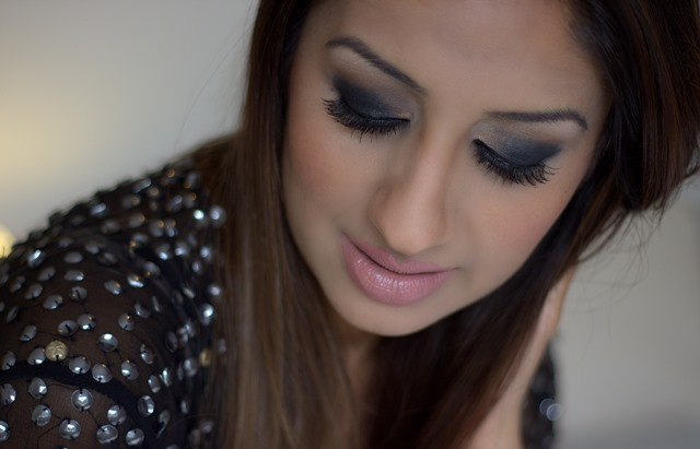 Asiana Colour Series: Black Smoky Eyes