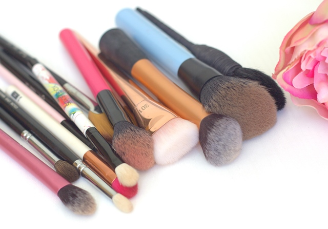 My Favourite Makeup Brushes - Updated ♥