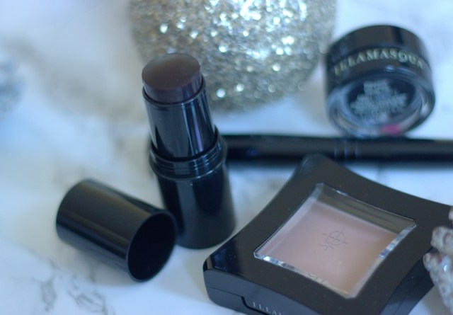 ial up the Drama this Christmas with Illamasqua