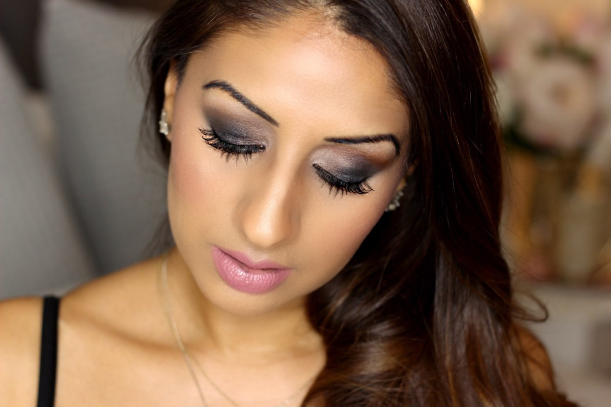 Black Smokey Eye Makeup Tutorial ♥