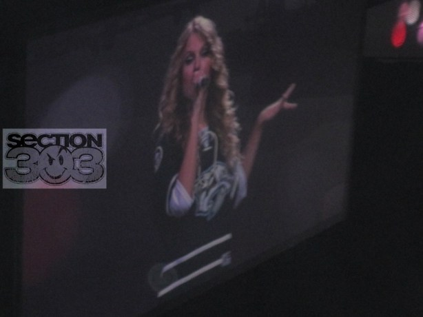 Taylor Swift in new Predators 3rd jersey