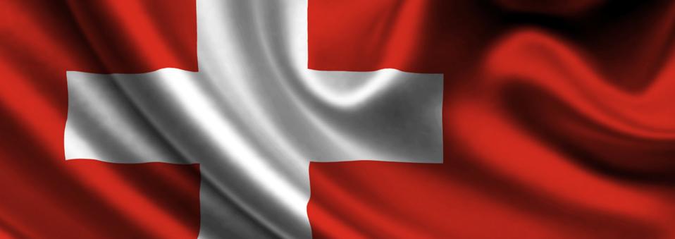 Suiza permitirá el juego online y torneos de poker